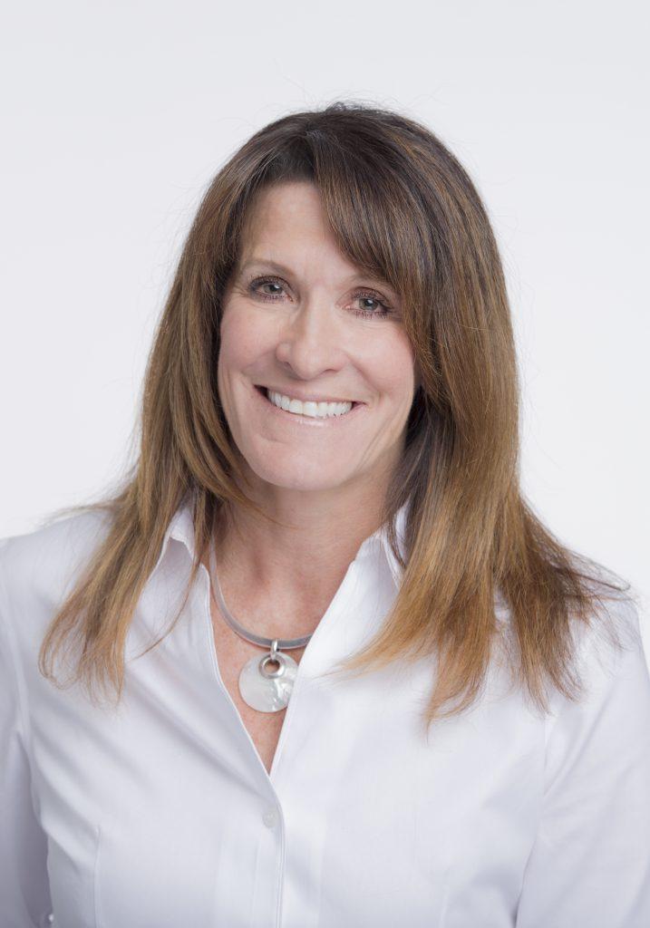 Paula Hendrickson Headshot