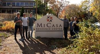 Volunteering at Mi Casa Resource Center